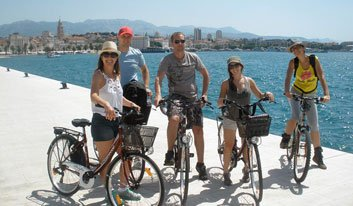 TS1_Split-City-Tour_blue-bike_Cycle-Croatia