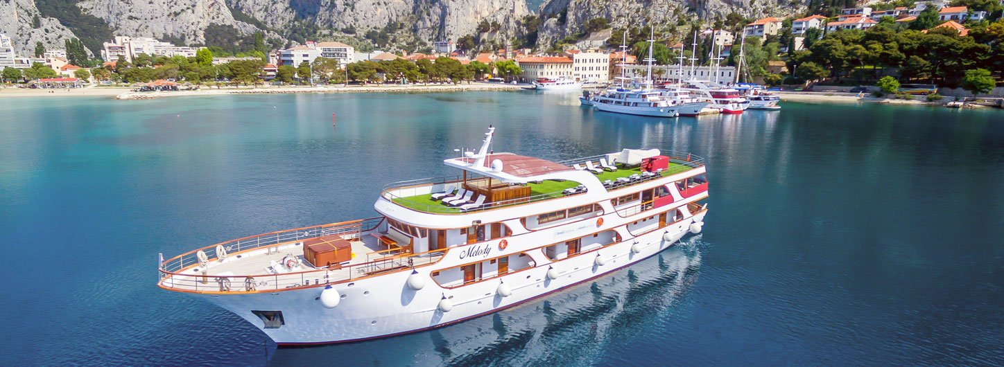 First Class ship Melody - Cycle Croatia