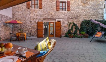 House Malia in Kastelir